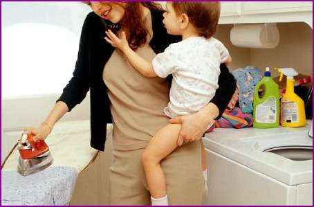 10 способов для мамы в декрете развлечься в сети