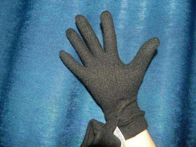 Стильно, удобно и очень тепло! Трикотаж на защите нежных женских рук