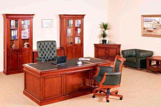 офисная мебель с кожаной обивкой