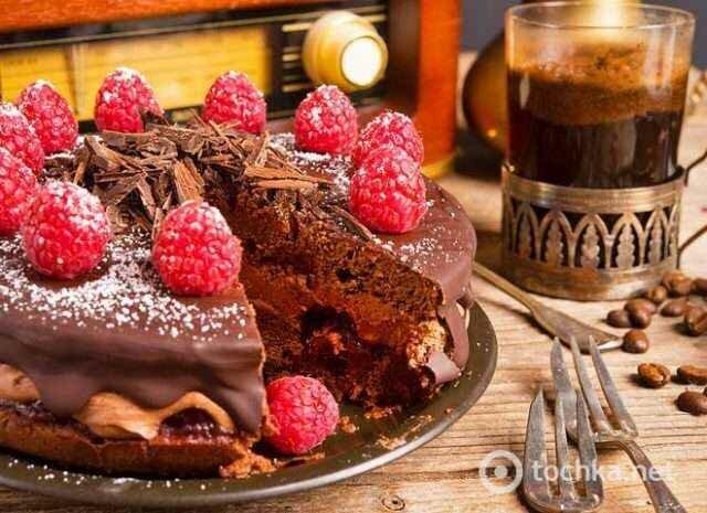 Пирог с малиной: рецепт восхитительного шоколадного десерта